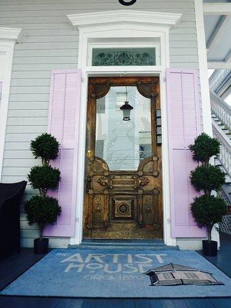 Artist House: Entry