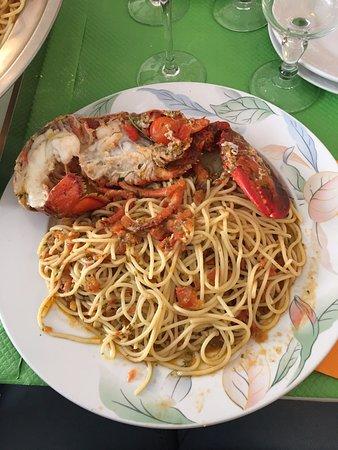 Mery sur Oise, Francja: Le homard....