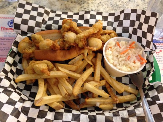 Rockland Cafe & Bakery : THE BEST clam roll ever! Perfect cole slaw, and well cooked fries.