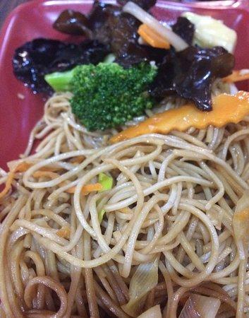 Rivesaltes, Francia: nouilles chinoises légumes sautés