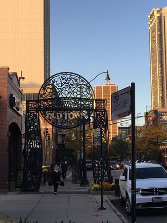 Photo of Tourist Attraction Up Down Cigar at 1550 N Wells St, Chicago, IL 60610, United States