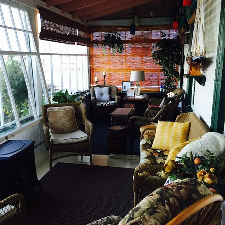 Digby, Canadá: sitting sun room at front of hotel