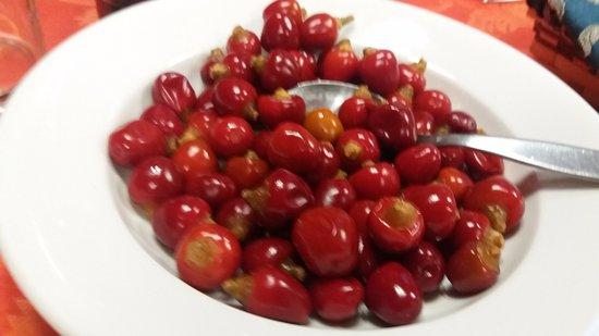 Pavona, Italy: ottimi peperoncini