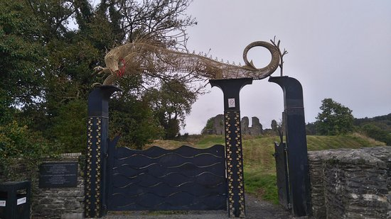 Newcastle Emlyn, UK: entrance from the car park to castle