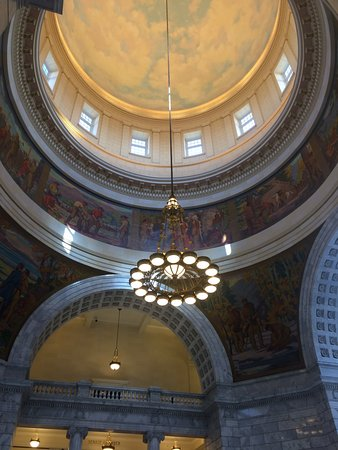 Utah State Capitol : rotunda view