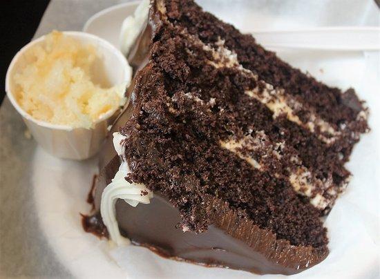 Magnolia bakery chocolate cake calories