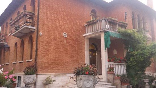 Villa Albertina: 20161019_072635_large.jpg