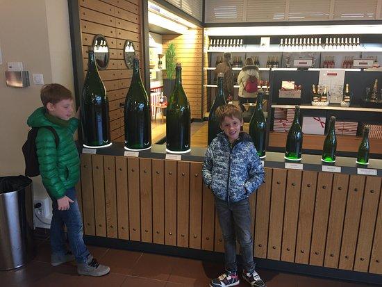 Epernay, Francia: размеры бутылок
