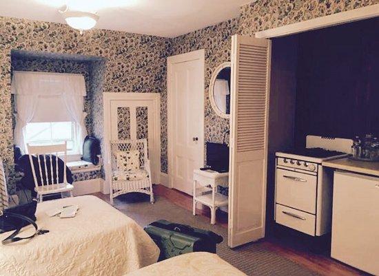 Coach House Inn: photo0.jpg