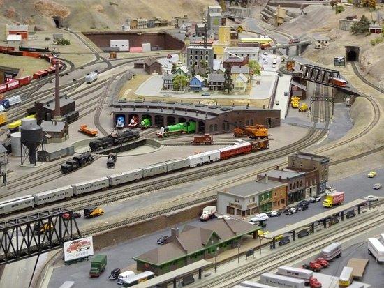 Edward Peterman Museum of Railroad History: Mini train scene