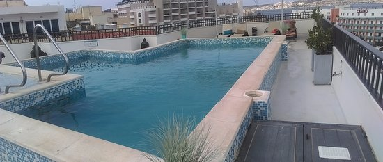 Park Lane Aparthotel: Rooftop pool