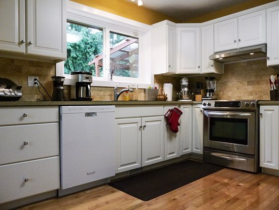 Courtenay, Kanada: Spacious Kitchen