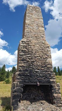 Boulder, CO: Chimney of former lodge on Swtld. trail