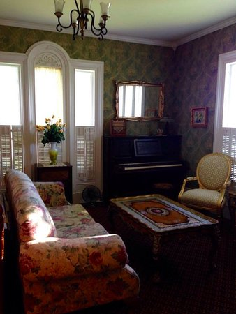 East Machias, Мэн: My favorite room: the living room