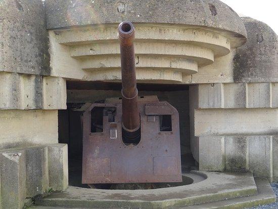 Longues-sur-Mer, France : canon