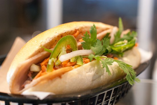 Morris Plains, Нью-Джерси: Try a Vietnamese sandwich, inspired by French influences.