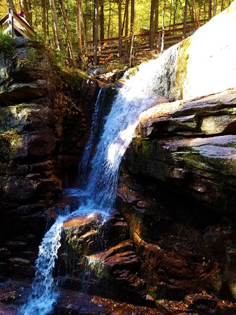 Franconia, Nueva Hampshire: Falls in Flume Gorge . It is wonderful experience