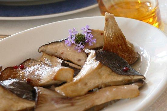 Sennariolo, Italia: funghi pleurotus (antunna) impareggiabili