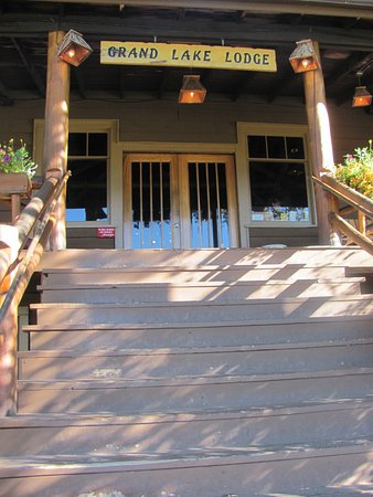 Grand Lake, CO: Entrance To Lobby and Restaurant