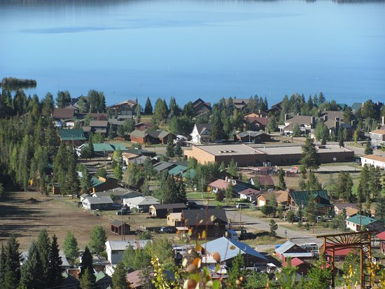 Grand Lake Lodge: Town