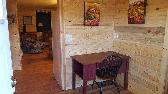 Craig, CO: Two bedroom Cabin: Mudroom/Desk Area