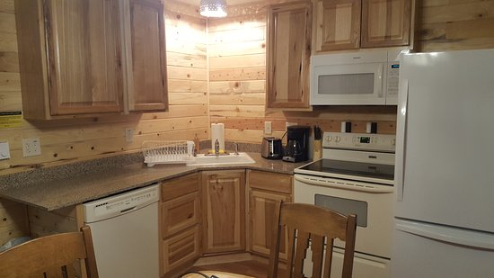 Craig, CO: Two Bedroom Family Cabin Kitchen