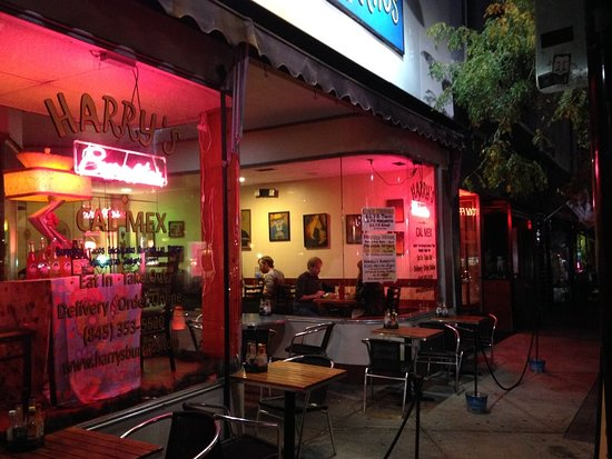 Harry's Burritos: Outside seating on warm fall evening