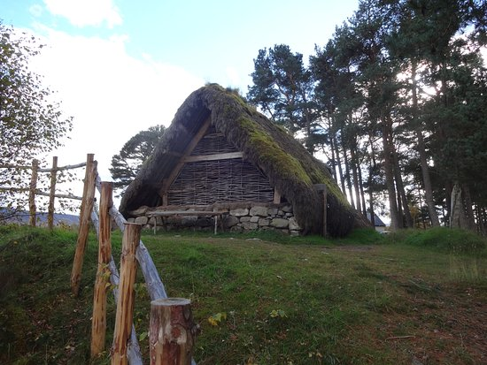 Newtonmore, UK: One of the huts from the folk village.