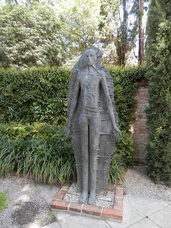 Jardin de estatuas foto di collezione peggy guggenheim venezia tripadvisor - Estatuas de jardin ...