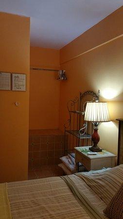 Esperanza Inn: the closet