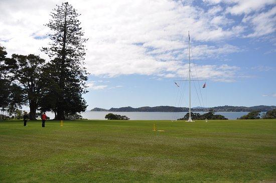 Paihia, Nova Zelândia: Looking over the grounds