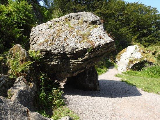 Blarney, Irlanda: Dolmen: Vortex-like energy