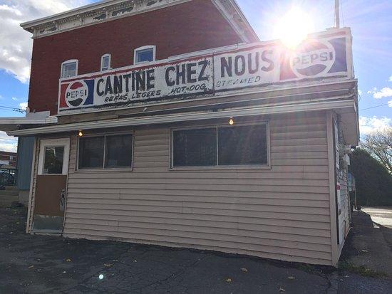 Saint Hyacinthe, Canada: Cantine Chez Nous Enr