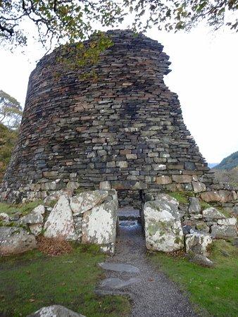 Glenelg, UK: The entrance into the Dun Telve Broch.