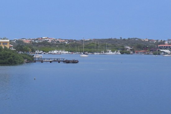 Mermaid Boat Trips: the view of Spanish Waters (Spaanse Water) lagoon as we head out to the island