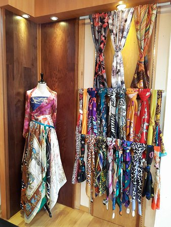 Weave Story: Exclusive Silk, Wool & Batik