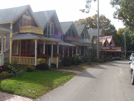 Oak Bluffs, MA: Love these gingerbread cottages