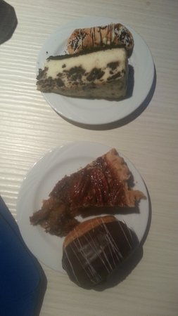 Oceano Buffet: My desserts, including the mini-eclair