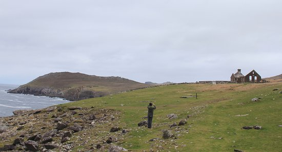 Dunquin, Irlanda: Beautiful crumbling cottage.