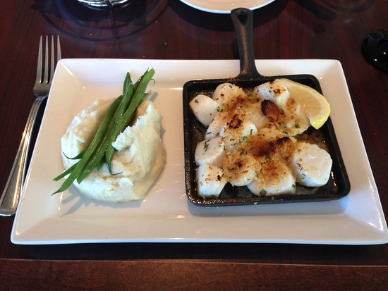 Quincy, MA: Baked scallops