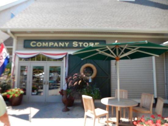 York, ME: entrance to story