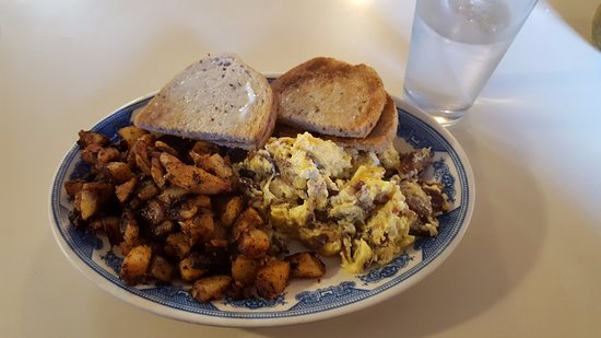 Granby, CT: Sausage, Bacon and Cheese Scrambled Eggs