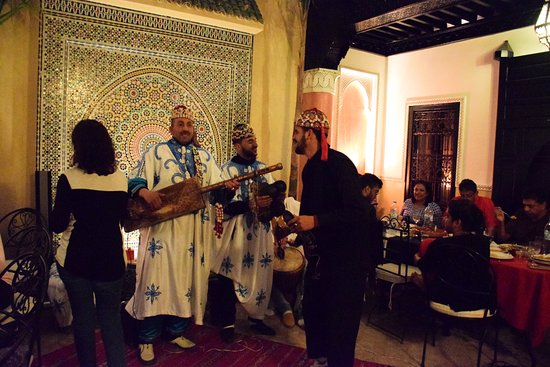 Riad Princesse du Desert: Music provided by Morocco-traveldreams tourist agency at the Riad