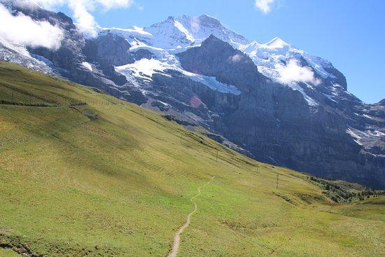 Jungfrau Region, Ελβετία: Kleine Scheidegg - Pathway out and up