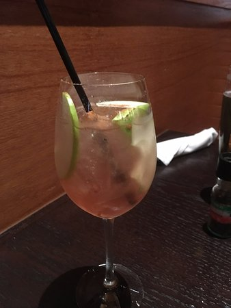 Brookfield, WI: Apple Sangria! Delish!