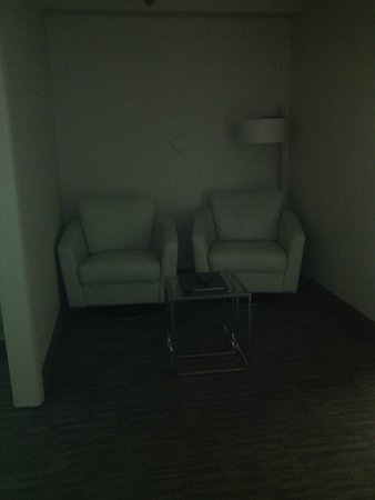 New Philadelphia, OH : Sitting area