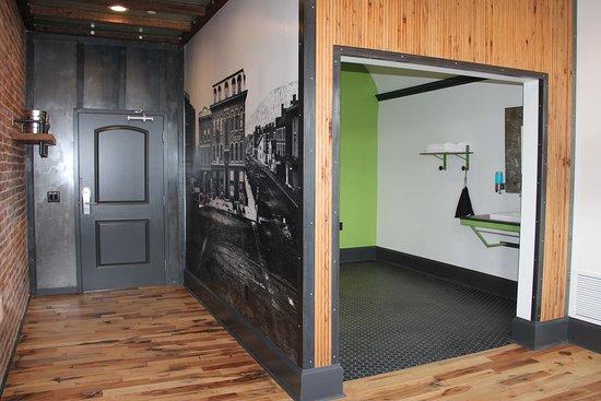 Williamsport, PA: The Little League Room's Bathroom