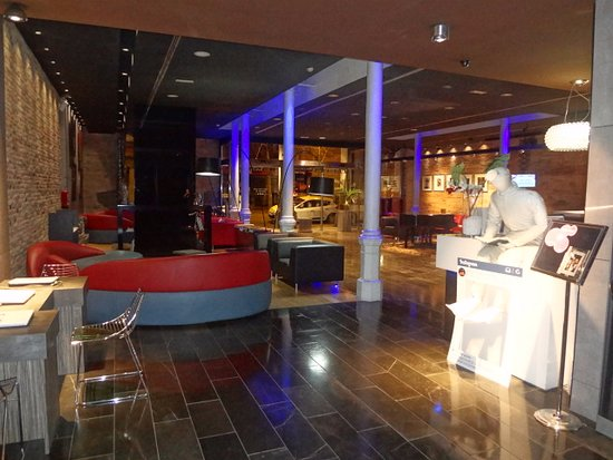 Petit Palace Museum Hotel: Lobby del Hotel.