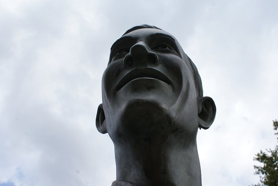 Alton, Ιλινόις: Close-up of the statue face