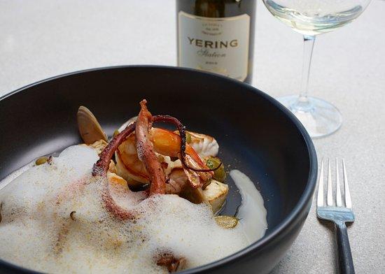 Yarra Glen, Australia: Prawns, octopus, clams, barramundi